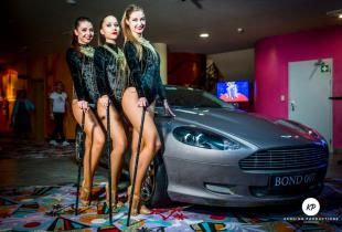 Bond girls a Aston Martin
